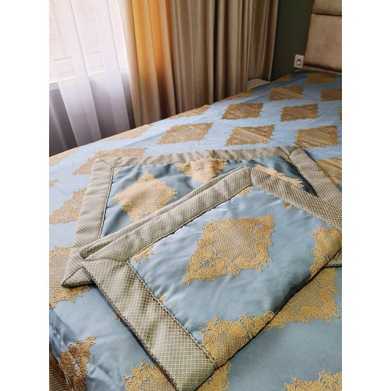 Luxury set with shawl and two decorative pillowcase in blue and golden