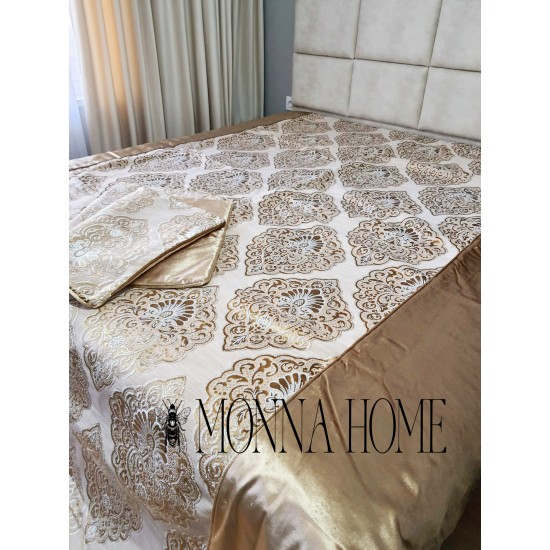 Luxury set with shawl and two decorative pillowcase